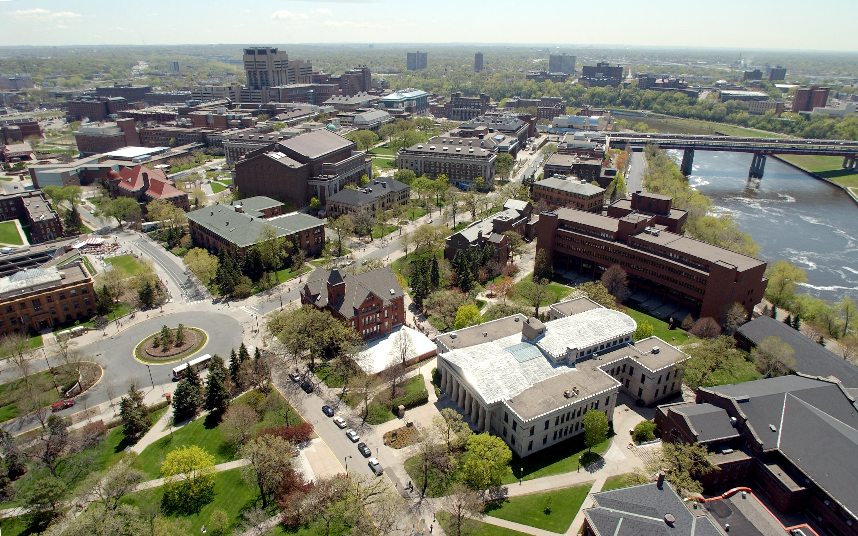 u_of_mn_campus_looking_south_photo_by_umn_news_svc.jpg